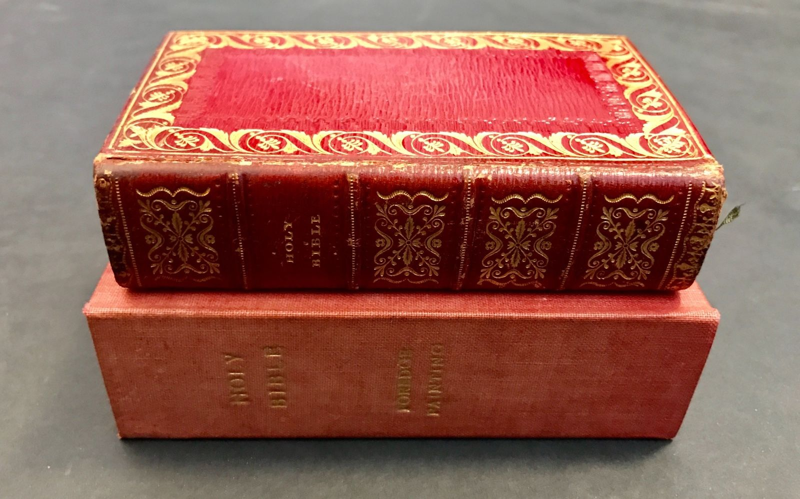 (fore edge painting) The Holy Bible, containing The Old Testament, and the  New